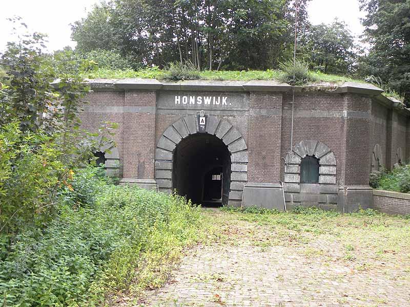 De TRAP-route Tull en 't Waal komt langs Fort Honswijk.